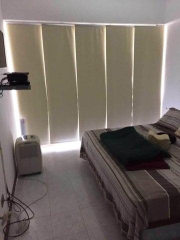 Apartamento Miranda>Higuerote>Puerto Encantado - Venta:60.000 Precio Referencial - codigo: 18-2896
