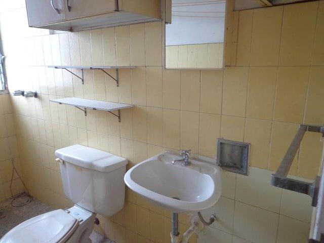 Apartamento Distrito Metropolitano>Caracas>El Paraiso - Venta:126.694.000.000 Precio Referencial - codigo: 18-4319