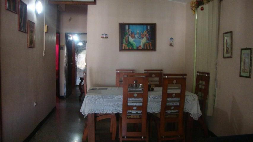 Casa Lara>Cabudare>Parroquia Cabudare - Venta:2.341.000 Precio Referencial - codigo: 18-1901