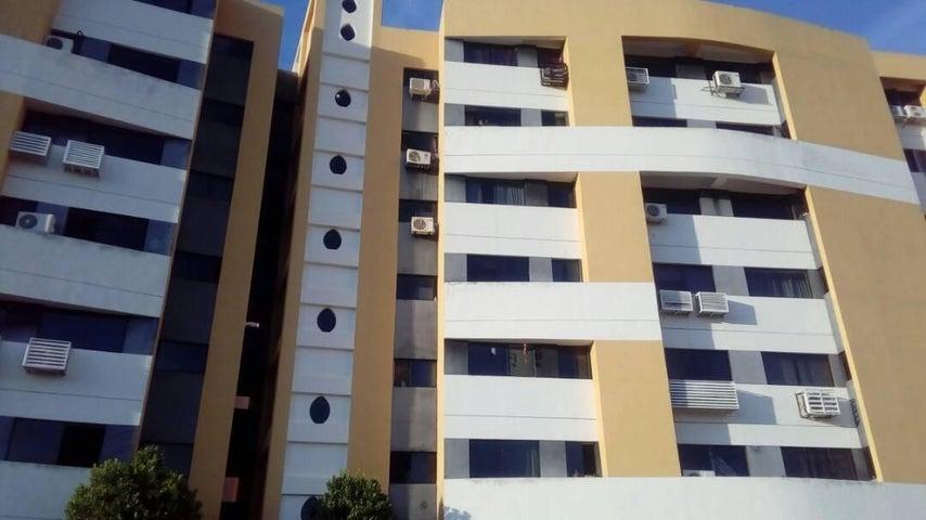 Apartamento Carabobo>Municipio Naguanagua>Tazajal - Venta:18.000 US Dollar - codigo: 18-2034