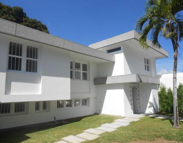 Casa Distrito Metropolitano>Caracas>Cumbres de Curumo - Venta:7.573.316.000.000 Precio Referencial - codigo: 18-2040