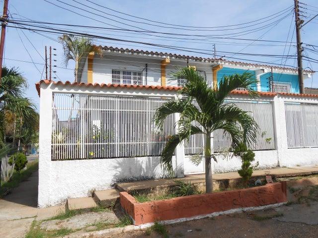 Casa Bolivar>Ciudad Bolivar>Vista Hermosa II - Venta:4.153.000.000 Bolivares - codigo: 18-1910