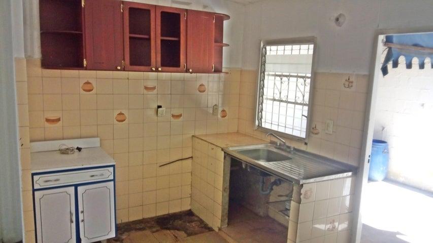 Casa Aragua>La Victoria>La Mora II - Venta:7.615.000.000 Precio Referencial - codigo: 18-2036