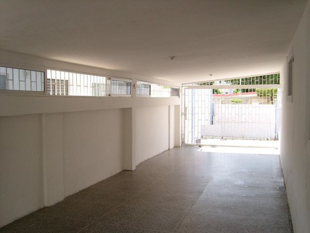 Casa Zulia>Municipio San Francisco>Sierra Maestra - Venta:15.000 Precio Referencial - codigo: 18-2044
