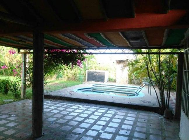Casa Miranda>Higuerote>Higuerote - Venta:15.231.000.000 Precio Referencial - codigo: 18-2047