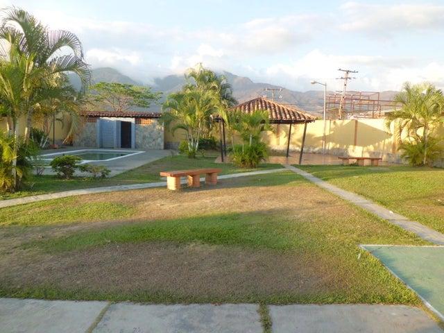 Casa Carabobo>Municipio San Diego>Sabana del Medio - Venta:19.039.000.000 Precio Referencial - codigo: 18-2048