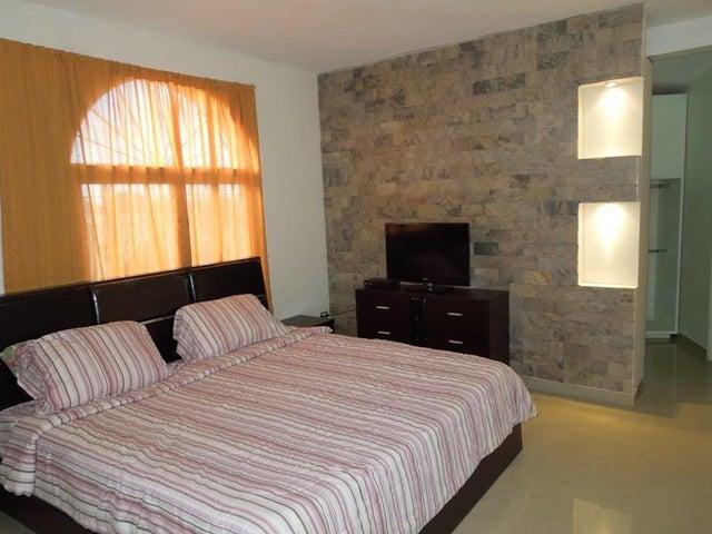 Casa Anzoategui>El Tigre>Sector Avenida Jesus Subero - Alquiler:166.016.832.000.000 Precio Referencial - codigo: 18-2051
