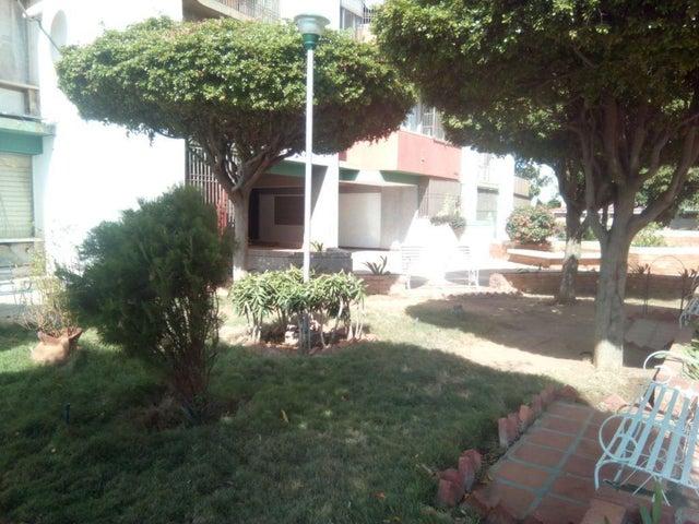 Apartamento Zulia>Maracaibo>Avenida Delicias Norte - Venta:10.662.000.000 Precio Referencial - codigo: 18-2054
