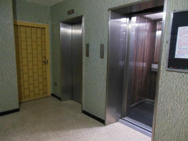 Apartamento Distrito Metropolitano>Caracas>Los Caobos - Venta:28.000 US Dollar - codigo: 18-2190