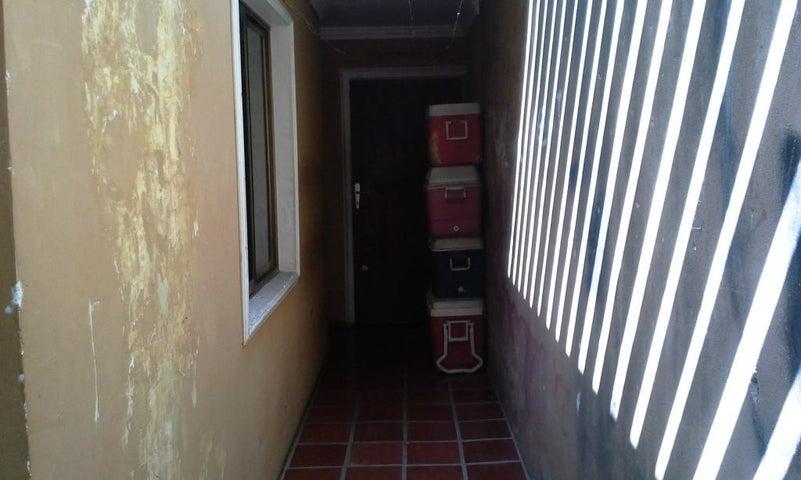 Casa Zulia>Municipio San Francisco>El Perú-San Francisco - Venta:51.062.000 Precio Referencial - codigo: 18-2058