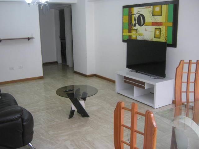Apartamento Distrito Metropolitano>Caracas>Colinas de Los Chaguaramos - Alquiler:250.000.000 Precio Referencial - codigo: 18-2077