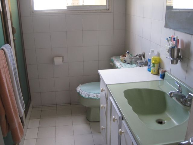 Apartamento Distrito Metropolitano>Caracas>El Paraiso - Venta:30.000 Precio Referencial - codigo: 18-2079