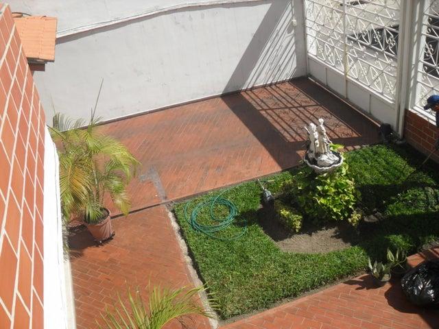 Casa Aragua>Maracay>El Bosque - Venta:1.639.962.000.000 Precio Referencial - codigo: 18-2086