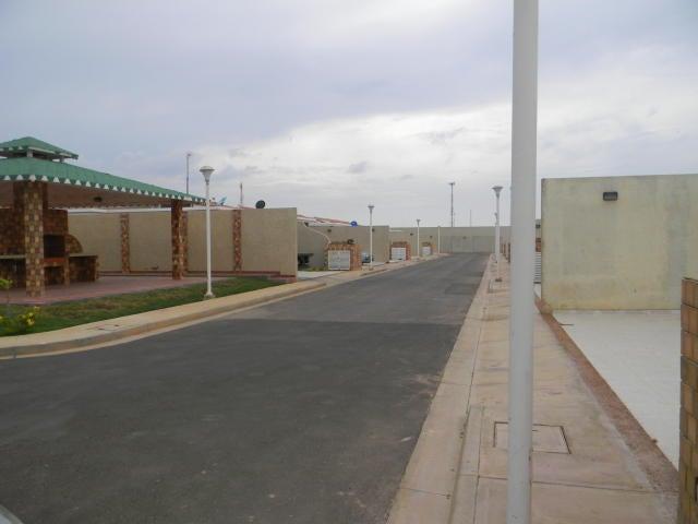 Casa Falcon>Punto Fijo>Puerta Maraven - Venta:19.717.000.000 Bolivares - codigo: 18-2088
