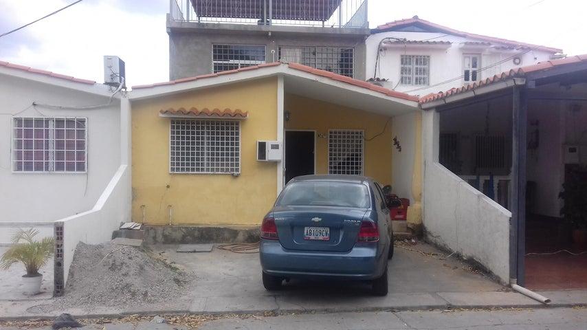 Casa Lara>Cabudare>Prados del Golf - Venta:20.000  - codigo: 18-2094