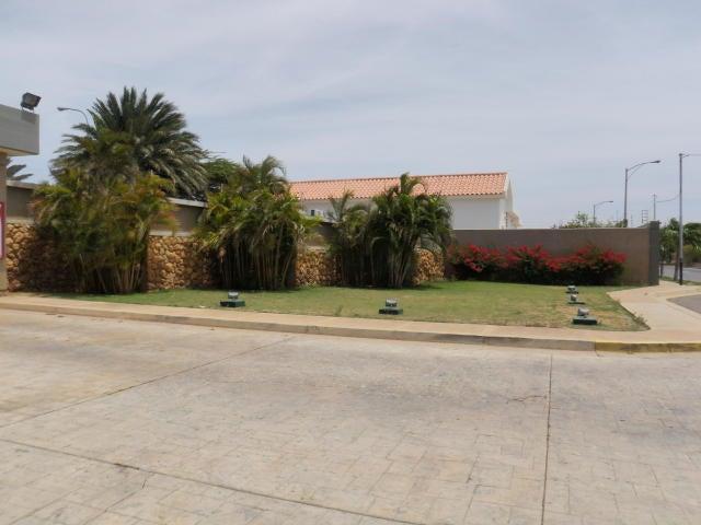 Terreno Falcon>Punto Fijo>Terrazas Club de Golf - Venta:25.038.000.000 Bolivares - codigo: 18-2099