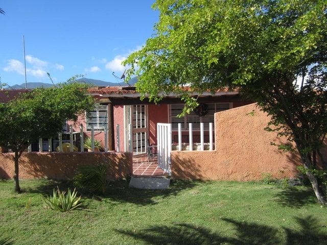 Casa Nueva Esparta>Margarita>Avenida Juan Bautista Arismendi - Venta:17.000 Precio Referencial - codigo: 18-2108