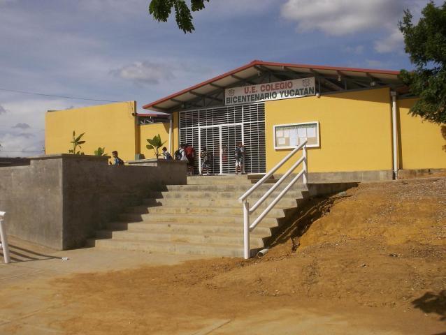 Casa Lara>Barquisimeto>Parroquia Tamaca - Venta:652.000 Precio Referencial - codigo: 18-2109