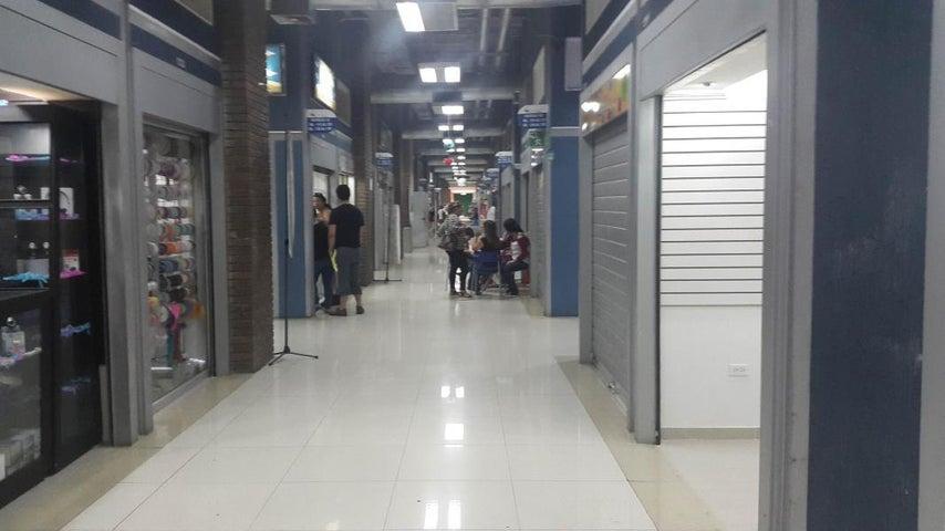 Local Comercial Zulia>Maracaibo>Las Delicias - Alquiler:2.300.000 Bolivares - codigo: 18-2162