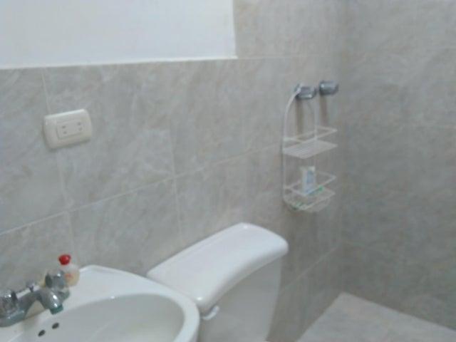 Casa Lara>Barquisimeto>Parroquia Union - Venta:1.730.000.000 Bolivares - codigo: 18-2170
