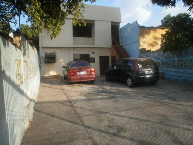 Local Comercial Zulia>Maracaibo>Pomona - Venta:40.000 US Dollar - codigo: 18-2234