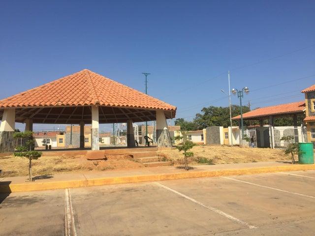 Townhouse Zulia>Municipio San Francisco>La Coromoto - Venta:38.688.000.000 Precio Referencial - codigo: 18-2229