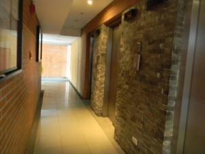 Apartamento Distrito Metropolitano>Caracas>La Florida - Venta:25.000 Precio Referencial - codigo: 18-2232