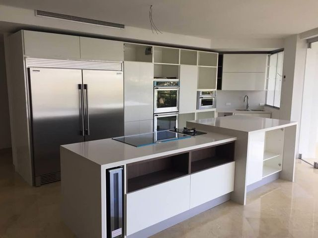 Apartamento Carabobo>Valencia>Altos de Guataparo - Venta:480.000 US Dollar - codigo: 18-2233