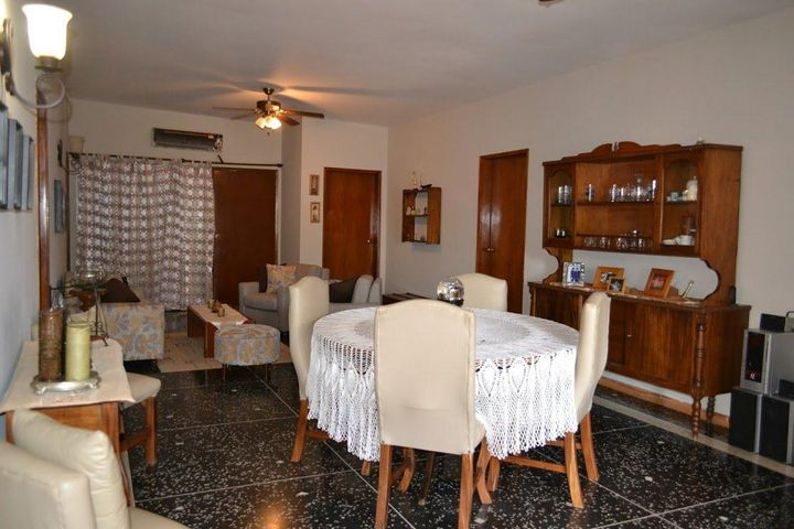 Casa Zulia>Maracaibo>Monte Bello - Venta:6.110.000.000 Bolivares - codigo: 17-13301