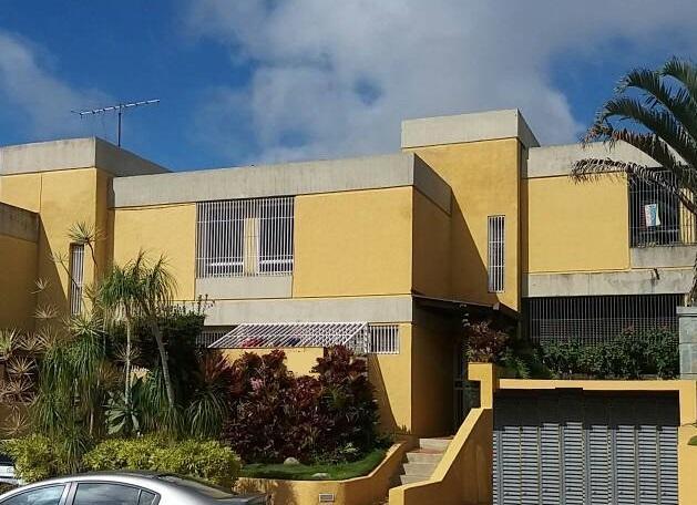 Townhouse Distrito Metropolitano>Caracas>Los Naranjos del Cafetal - Venta:325.000 Precio Referencial - codigo: 18-2259