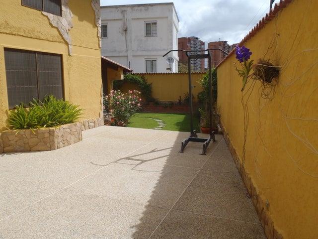 Casa Distrito Metropolitano>Caracas>Los Naranjos del Cafetal - Venta:290.000 Precio Referencial - codigo: 18-2010