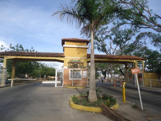 Casa Lara>Barquisimeto>Hacienda Yucatan - Venta:482.000 Precio Referencial - codigo: 18-2327