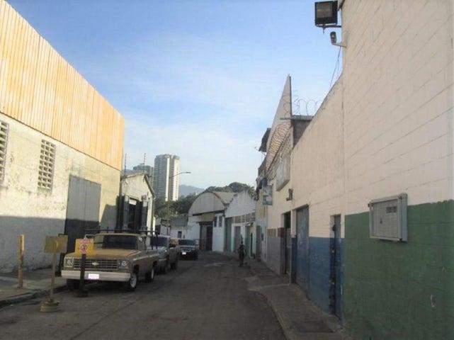 Galpon - Deposito Distrito Metropolitano>Caracas>La California Norte - Venta:43.266.000 Precio Referencial - codigo: 16-17007