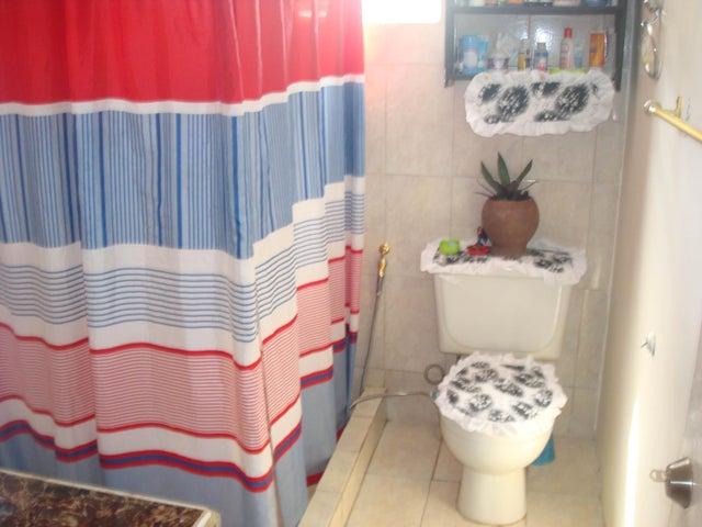 Casa Zulia>Santa Cruz de Mara>Via Santa Rita - Venta:5.000 Precio Referencial - codigo: 18-2479