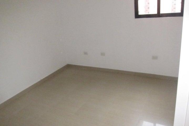 Apartamento Distrito Metropolitano>Caracas>Colinas de La Tahona - Venta:378.075.000.000 Precio Referencial - codigo: 18-2549