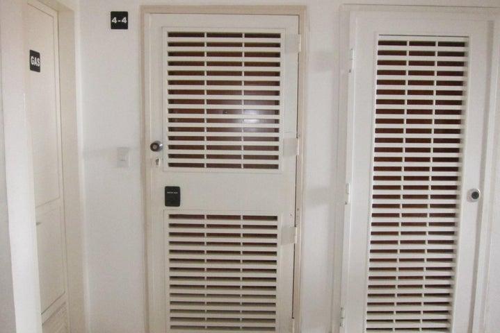 Apartamento Distrito Metropolitano>Caracas>Colinas de La Tahona - Venta:45.649.000 Precio Referencial - codigo: 18-2549