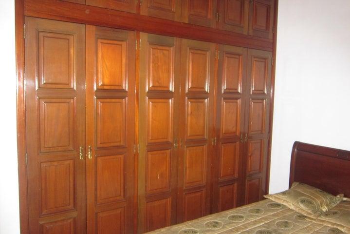 Casa Distrito Metropolitano>Caracas>El Marques - Venta:1.190.305.000 Precio Referencial - codigo: 18-2877