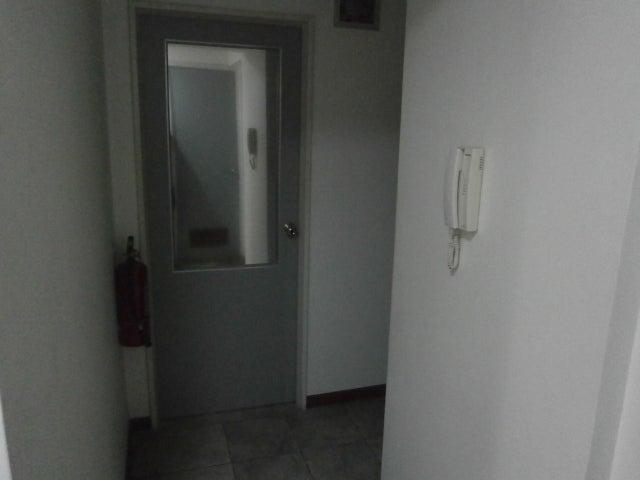 Oficina Distrito Metropolitano>Caracas>Las Mercedes - Alquiler:800 Precio Referencial - codigo: 18-2703