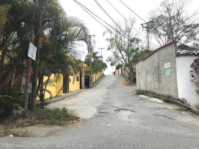 Terreno Distrito Metropolitano>Caracas>La Union - Venta:130.629.000 Precio Referencial - codigo: 18-215