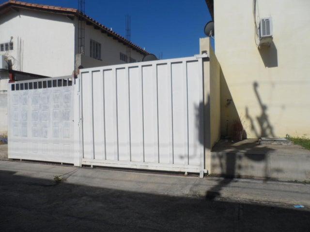 Apartamento Aragua>Maracay>La Orquidea - Venta:12.835.000.000 Precio Referencial - codigo: 18-2782
