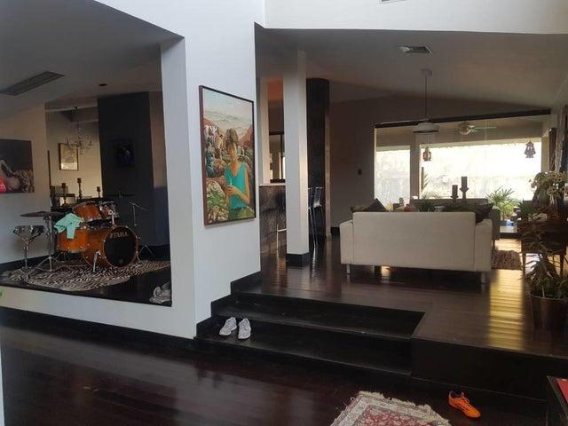 Casa Zulia>Maracaibo>Creole - Venta:279.546.000.000 Precio Referencial - codigo: 16-7856