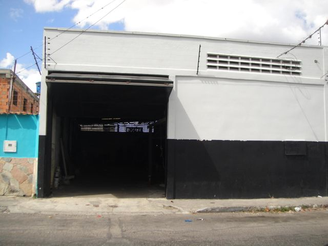 Galpon - Deposito Lara>Barquisimeto>Parroquia Concepcion - Venta:20.000 Precio Referencial - codigo: 18-2842
