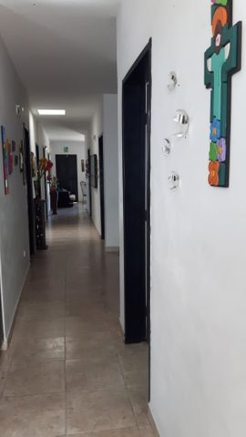 Consultorio Medico  Lara>Barquisimeto>Del Este - Venta:110.000 Precio Referencial - codigo: 18-2887