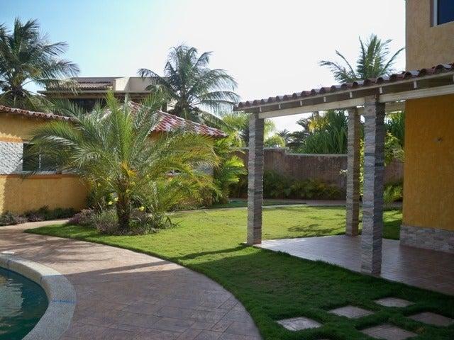 Casa Nueva Esparta>Margarita>Pampatar - Venta:390.000 Precio Referencial - codigo: 18-3102