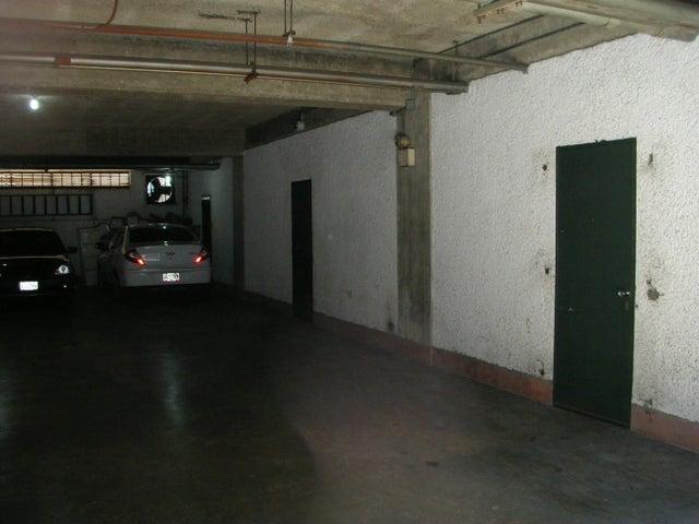 Galpon - Deposito Distrito Metropolitano>Caracas>Sabana Grande - Venta:27.000 Precio Referencial - codigo: 18-3135
