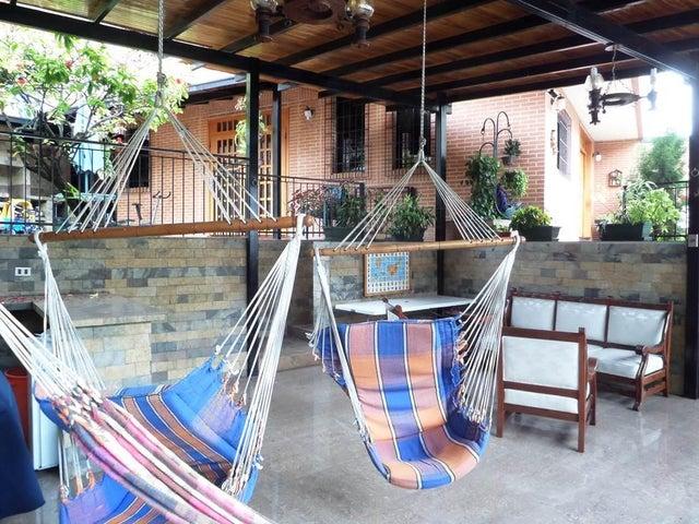 Casa Distrito Metropolitano>Caracas>El Marques - Venta:125.000 Precio Referencial - codigo: 18-3176