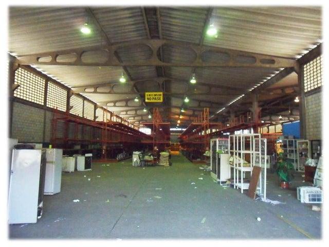 Galpon - Deposito Zulia>Maracaibo>Zona Industrial Sur - Venta:92.070.000 Precio Referencial - codigo: 18-3217