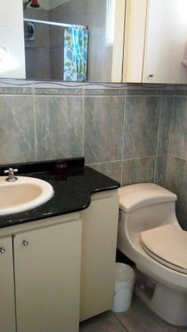 Apartamento Distrito Metropolitano>Caracas>La Carlota - Venta:5.913.000 Precio Referencial - codigo: 18-128