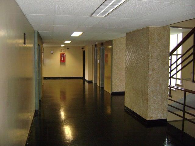Oficina Distrito Metropolitano>Caracas>La Castellana - Alquiler:224.000.000 Precio Referencial - codigo: 18-3679