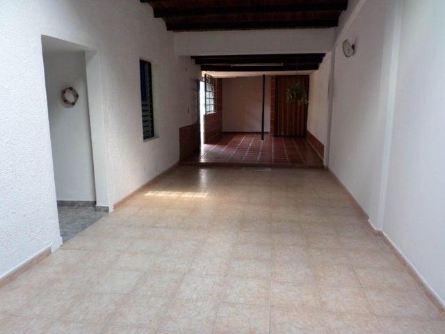 Casa Lara>Cabudare>Parroquia Cabudare - Venta:6.904.000 Precio Referencial - codigo: 18-3433